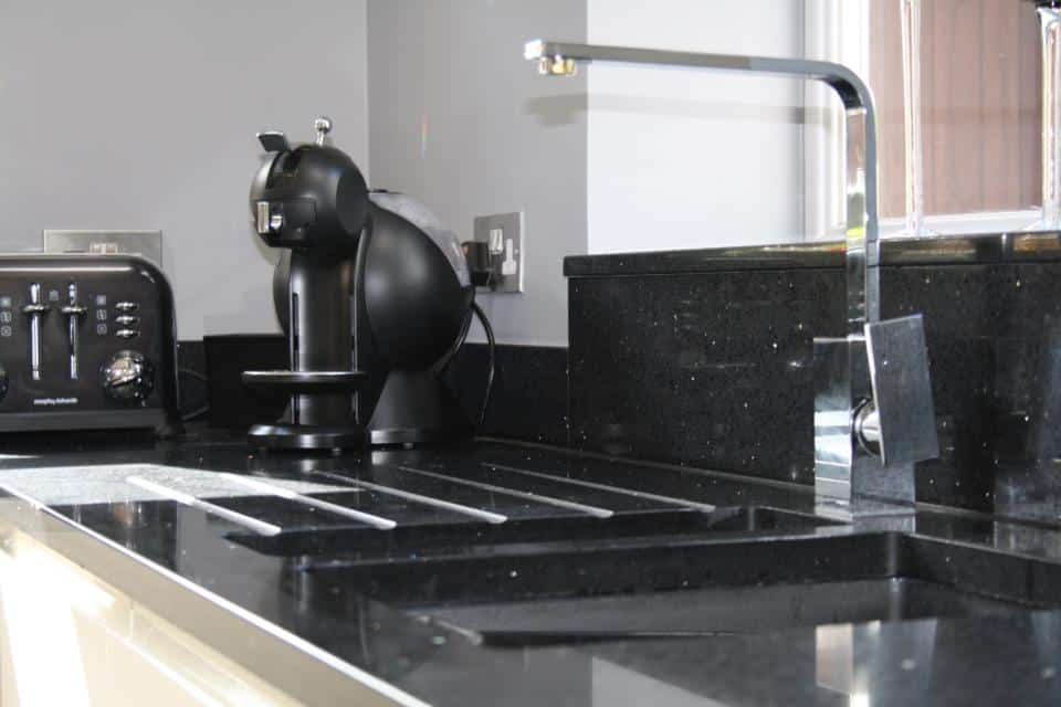 Franke Sirius Sink set in grooved quartz for draining