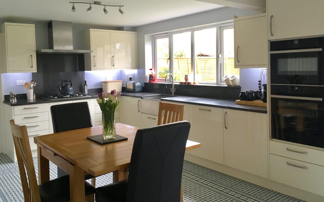 Design, build and fit of family kitchen: Bure Park, Bicester