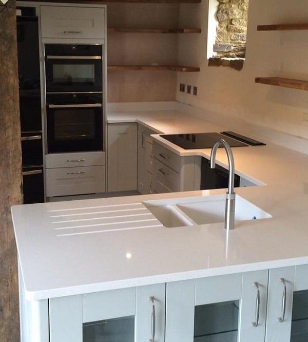 Painted Oak Kitchen & Silestone Blanco Maple Worktops