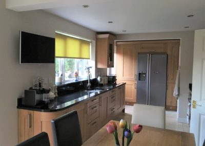 Lyndon Oak Kitchen & Nero Assoluto Granite Worktops