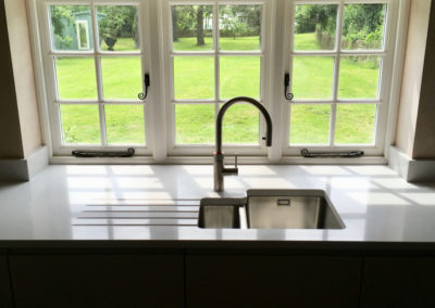 Gloss Anthracite J-Pull Kitchen & Silestone Blanco Norte Worktops