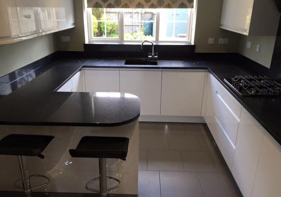 High Gloss White J-Pull Kitchen & Silestone Stella Negro Worktops