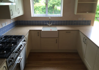 Oak floor, painted oak units & Silestone worktops